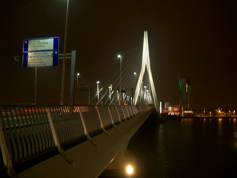 erasmus-bridge_built_exterior_adam-lederer