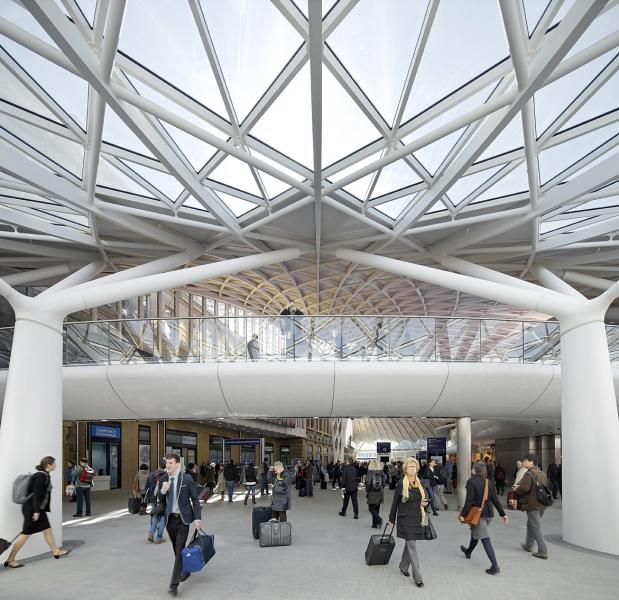 kings-cross-station_built_exterior_hufton-crow