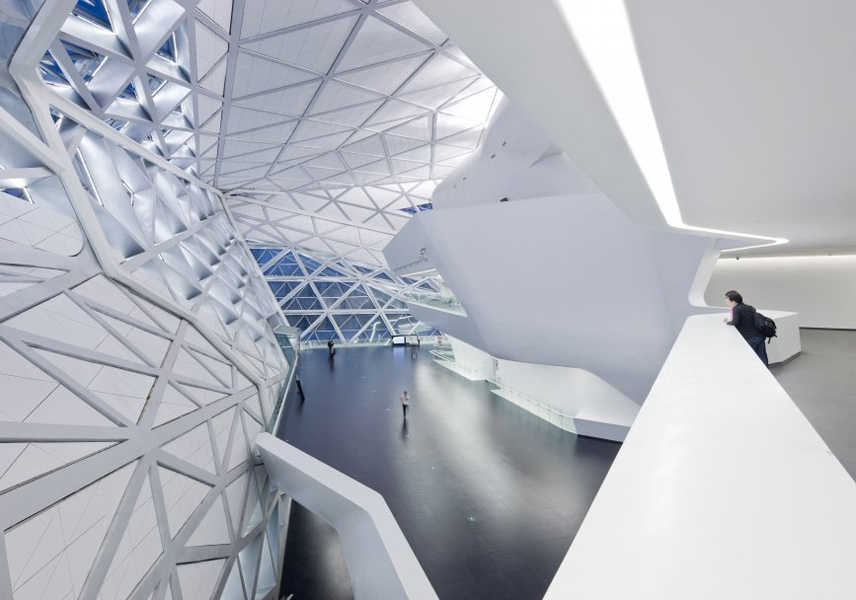 guanzhou-opera-house_built_interior_zaha-hadid-architects